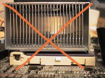 Il dissipatore non è a contatto con il core della cpu.