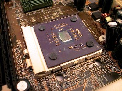 Si blocca il processore abassando la leva.