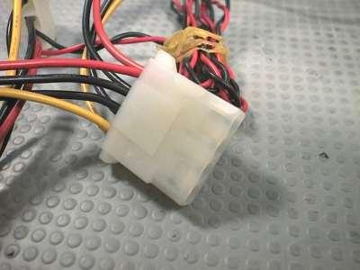Connettore Molex a 4 pins.